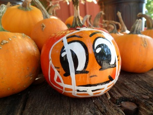 20 No Carve Ideas for Halloween Pumpkin Decorating + 7 New Ideas for Decorating a Pumpkin