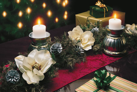 Yuletide Table Accents