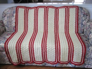 http://www.favecrafts.com/master_images/Crochet/A%20Cozy%20Mile%20A%20Minute%20Shell%20Throw.JPG