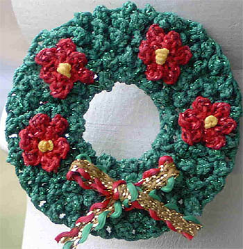 How to Crochet a Christmas Wreath Part 3/8 Video – 5min.com