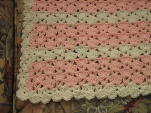 Crochet Geek - Crochet Cluster V Stitch - Blanket | Make A