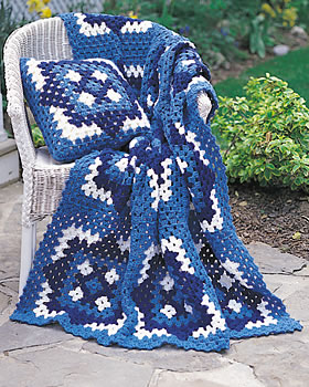 Three Color Crochet Pullow