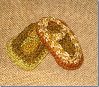Molly's Sketchbook: Felt Baby Shoes - Knitting Crochet Sewing