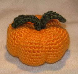 Small Crochet Halloween Fall Pumpkin - YouTube