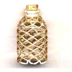 Продукт из бисера бутылка готовой