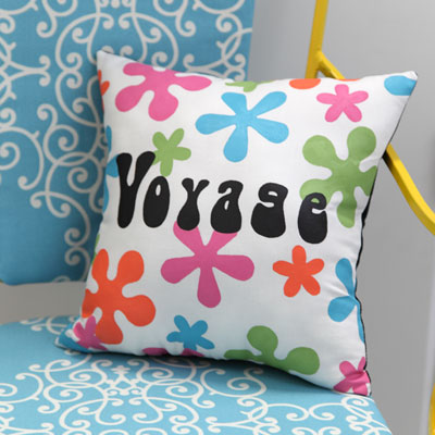 trshow13 032 Throw Back Throw Pillow: National Craft Month Project & Giveaway