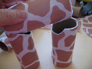 Adorable Cardboard Tube Giraffe