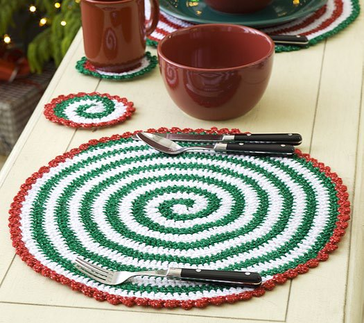 Christmas Pinwheel Placemat and Coaster Set