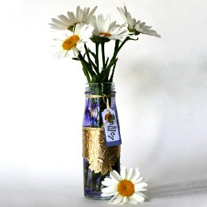 Easy to make daisy vase Nothing But Spring Crafts for Kids in this eBook