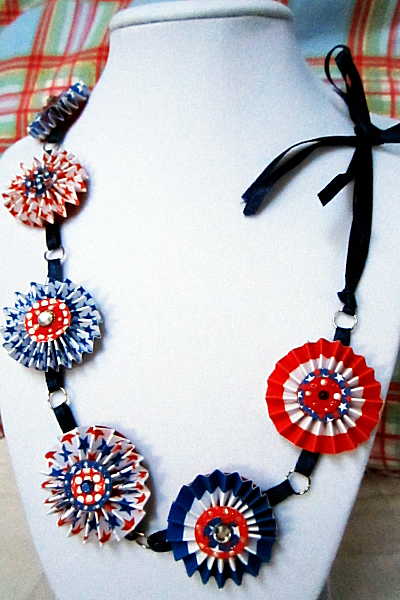 Patriotic Paper Necklace