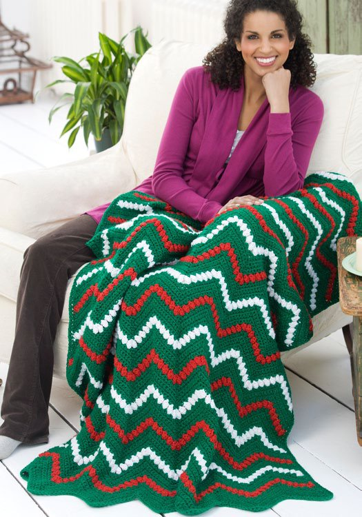 Zigzag Christmas Tree Throw