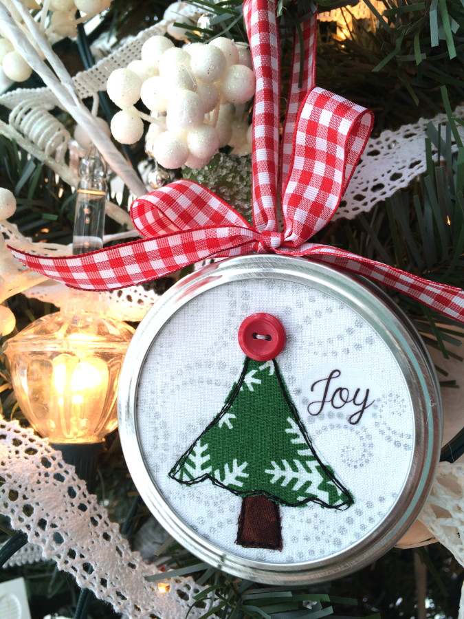 7 DIY Christmas Gifts: Handmade Gift Ideas You'll Love