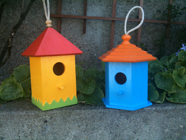 5 birdhouse crafts for mom or for you favecrafts for Easy birdhouse ideas