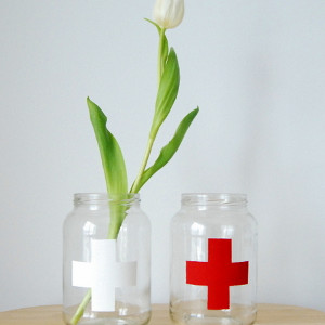 Easy Mason Jar Vase