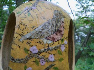 How to make a vintage decoupaged bird feeder