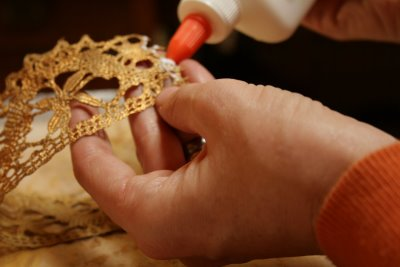 Glueing Ends of Crown