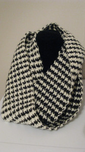 Hounds Tooth Crocheted Scarf