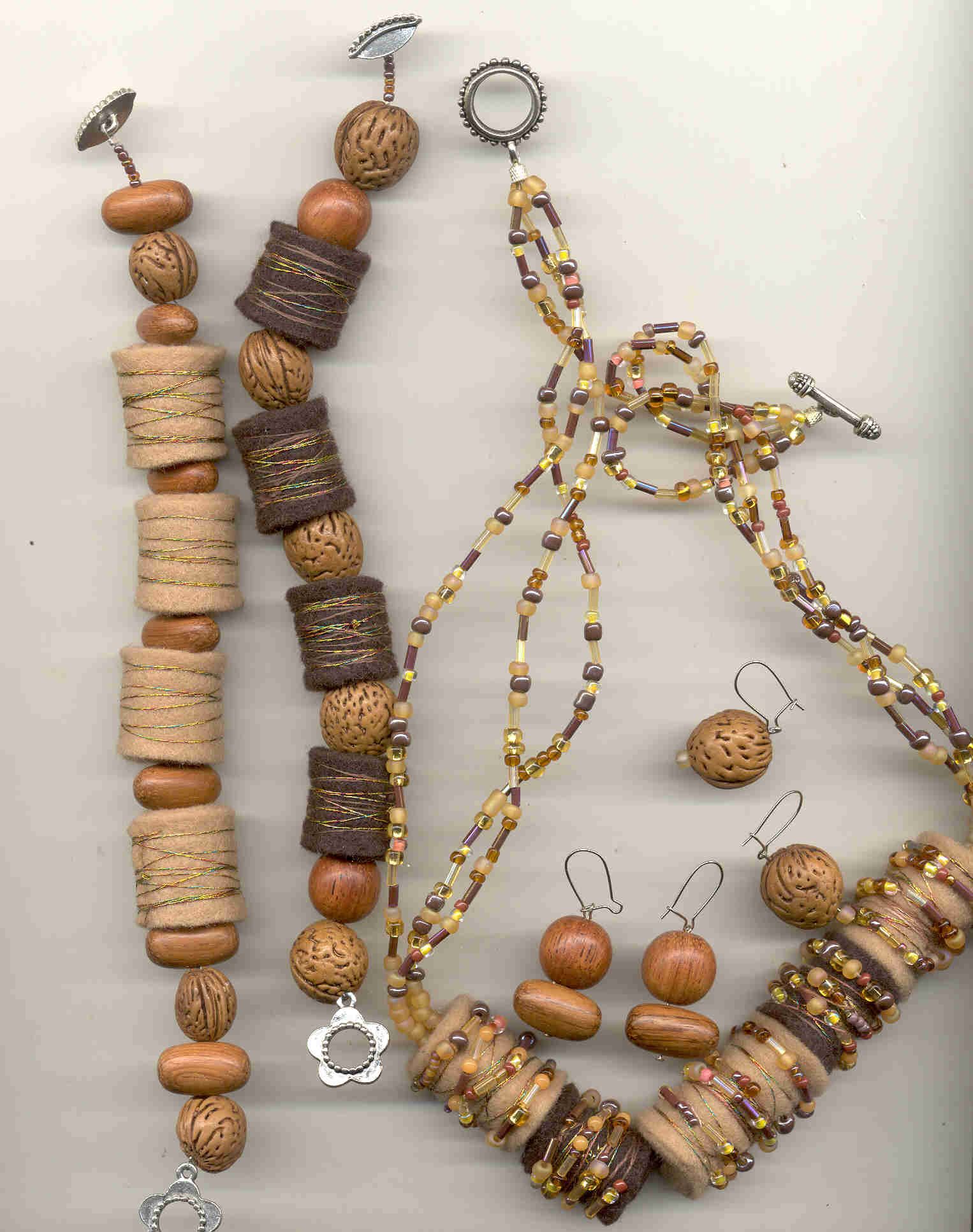 earth tones necklace