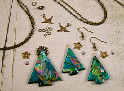 Christmas Tree Earrings and Pendant Step 6