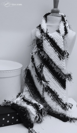 Diagonal Knit Scarf