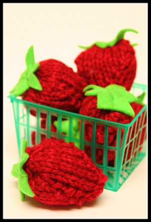 Punnet Of Strawberries Knitting Pattern Favecrafts
