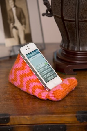 Knit Phone Holder