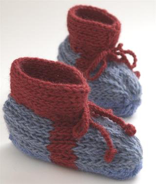 Grandma's Knitted Slippers - Make these super cute slippers and lounge