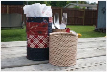 rachelgriffith%7Bphoto15%7D Turn Old Tin Cans into Picnic Helpers