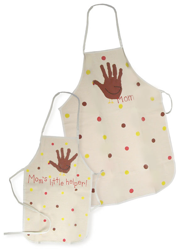 Mom and Me Thanksgiving Aprons