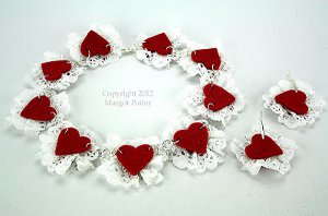 Queen of hearts choker